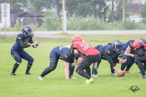 Hyökkäyksen linjassa jatkavat Siiri Lipiäinen sekä Tiitu Myrsky.